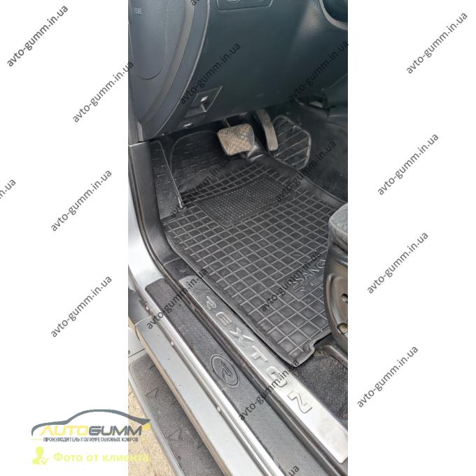 Автомобильные коврики в салон Ssang Yong Rexton 2/W 07-/13- (Avto-Gumm)