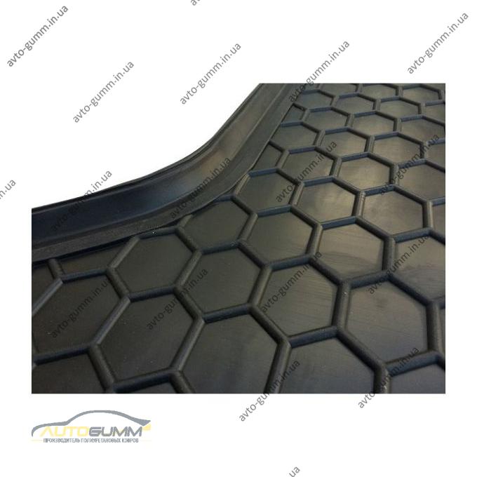 Автомобильный коврик в багажник Volkswagen T5 2010- (короткая база с печкой) Caravelle (Avto-Gumm)