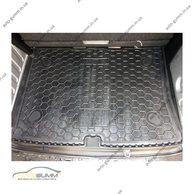 Автомобильный коврик в багажник Fiat Qubo/Fiorino 08-/Citroen Nemo 07-/Peugeot Bipper 08- (Avto-Gumm)