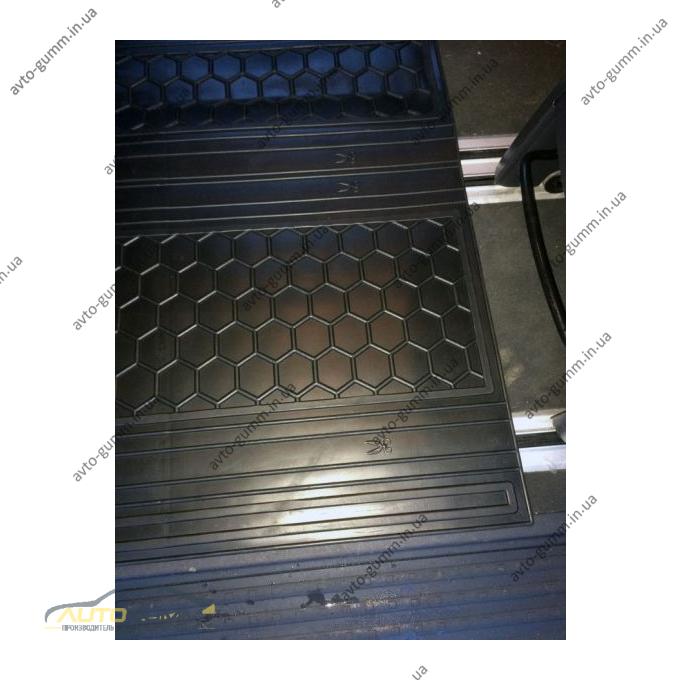 Автомобильные коврики в салон Volkswagen T5 Multivan 2010- (2-й ряд) (Avto-Gumm)