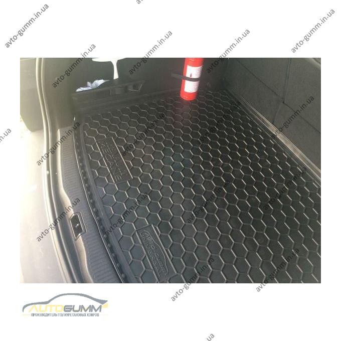Автомобильный коврик в багажник Renault Megane 3 2009- Universal без ушей (Avto-Gumm)