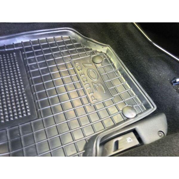 Водійський килимок в салон Peugeot 301 2013- (Avto-Gumm)