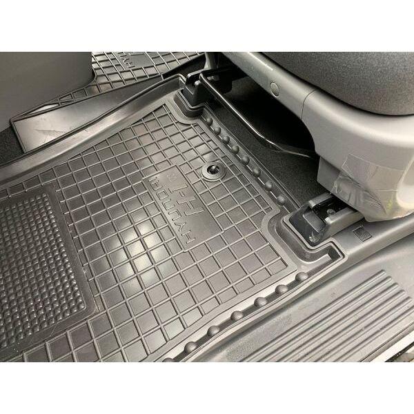 Автомобильные коврики в салон Hyundai H1 2007- передние (Avto-Gumm)