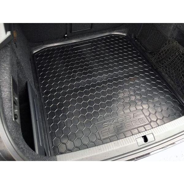 Автомобильный коврик в багажник Skoda SuperB 2015- Liftback (Avto-Gumm)