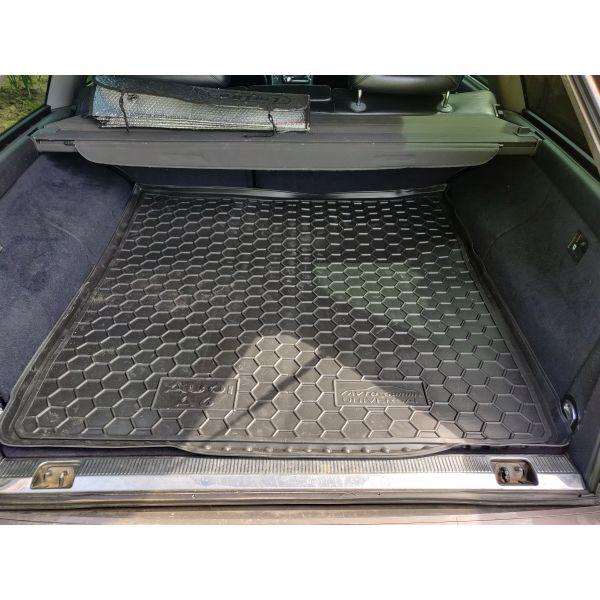 Автомобильный коврик в багажник Audi 100/A6 (C4) 1991-1997 Universal (Avto-Gumm)