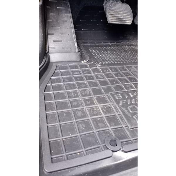 Водительский коврик в салон Fiat Qubo/Fiorino 08-/Citroen Nemo 07-/Peugeot Bipper 08- (Avto-Gumm)