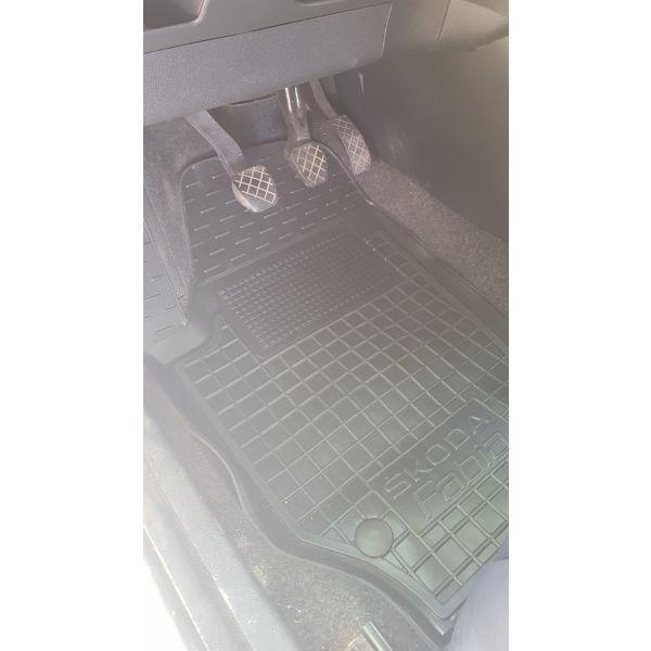 Передние коврики в автомобиль Skoda Fabia 2 2007- (Avto-Gumm)