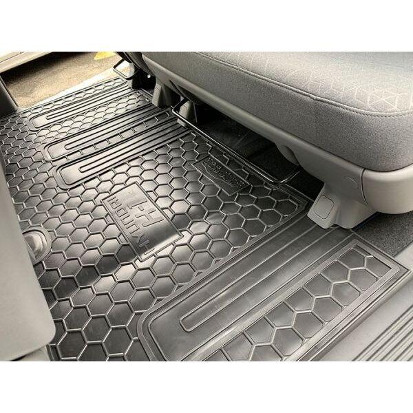 Автомобильные коврики в салон Hyundai H1 2007- (2-й ряд) (Avto-Gumm)