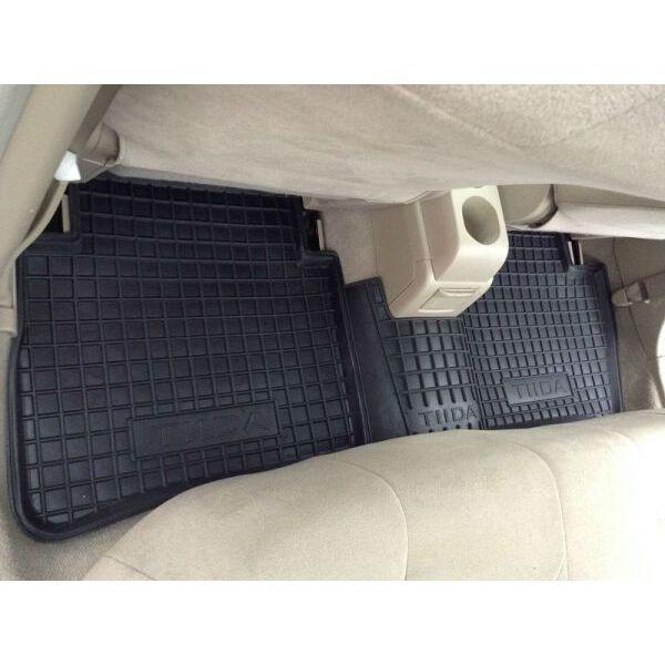 Автомобильные коврики в салон Nissan Tiida 2004- (Avto-Gumm)
