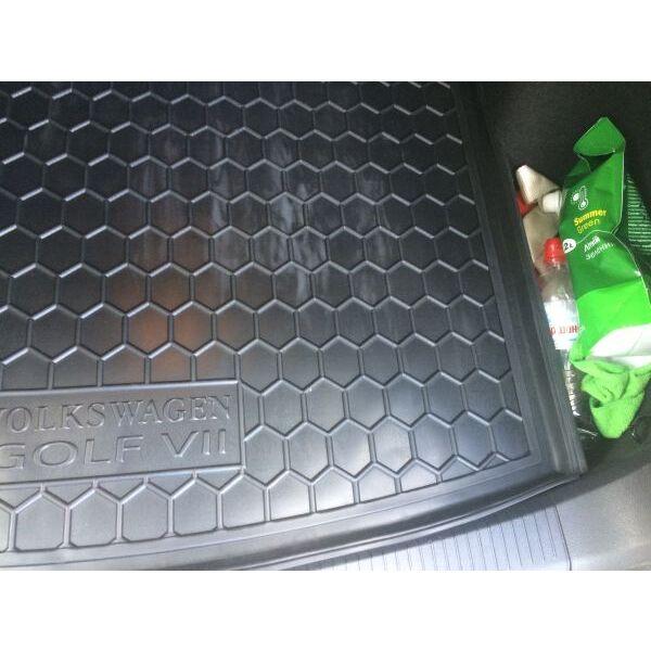 Автомобильный коврик в багажник Volkswagen Golf 7 2013- Universal (Avto-Gumm)