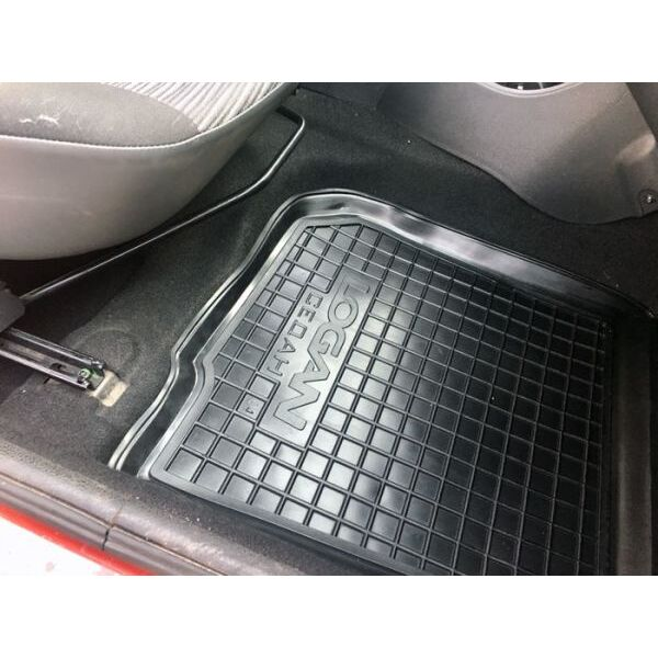 Передние коврики в автомобиль Renault Logan 2004-2013 Sedan (Avto-Gumm)