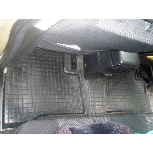 Автомобильные коврики в салон Suzuki Grand Vitara 2005- (Avto-Gumm)