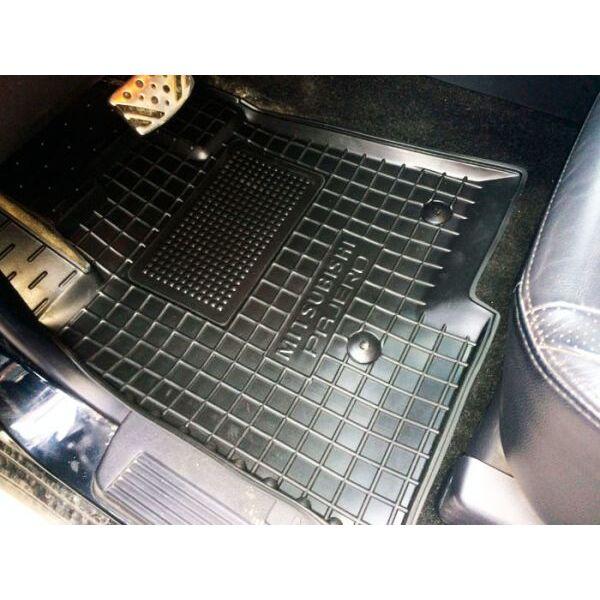 Передние коврики в автомобиль Mitsubishi Pajero Wagon 3/4 99-/07- (Avto-Gumm)