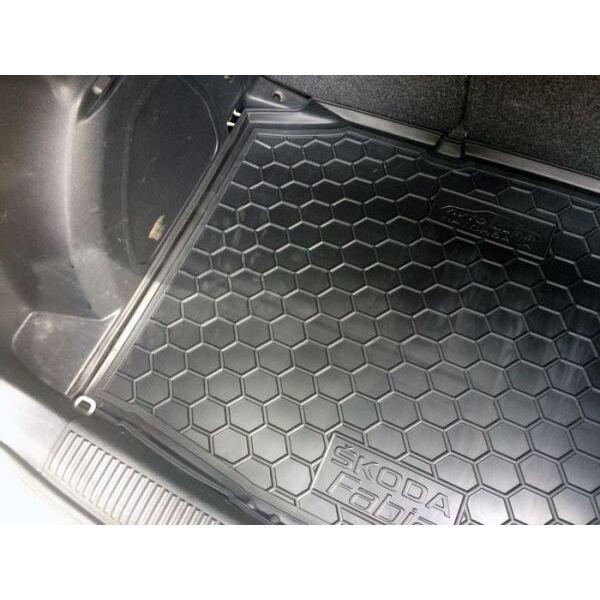 Автомобильный коврик в багажник Skoda Fabia 2 2007- Hatchback (Avto-Gumm)