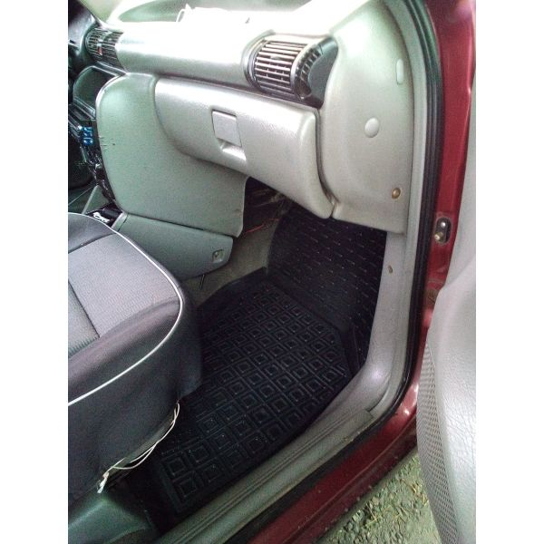Автомобильные коврики в салон Opel Astra F 1991- 3 двери (Avto-Gumm)