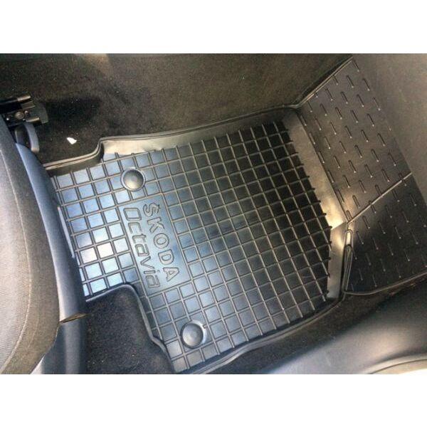 Передние коврики в автомобиль Skoda Octavia A5 2004- (Avto-Gumm)