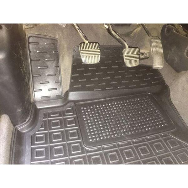 Автомобільні килимки в салон Nissan Maxima QX (A33) 2000- (Avto-Gumm)