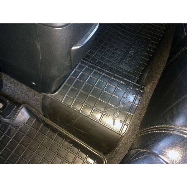 Автомобильные коврики в салон Honda Accord 2003-2007 (Avto-Gumm)