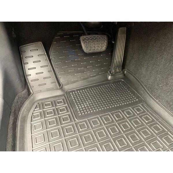 Водійський килимок в салон Toyota Camry 70 2018- (Avto-Gumm)