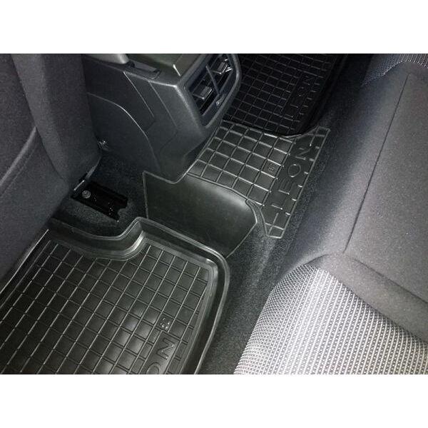 Автомобильные коврики в салон Seat Leon 2013- (5 дверей) (Avto-Gumm)