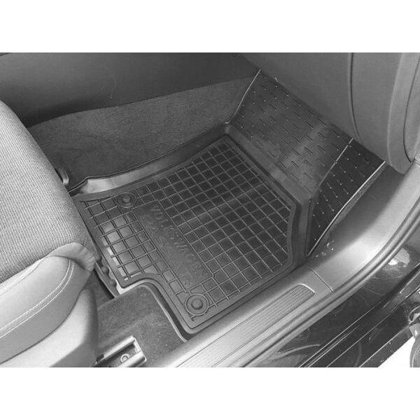 Автомобильные коврики в салон Volkswagen Passat B8 2015- (Avto-Gumm)