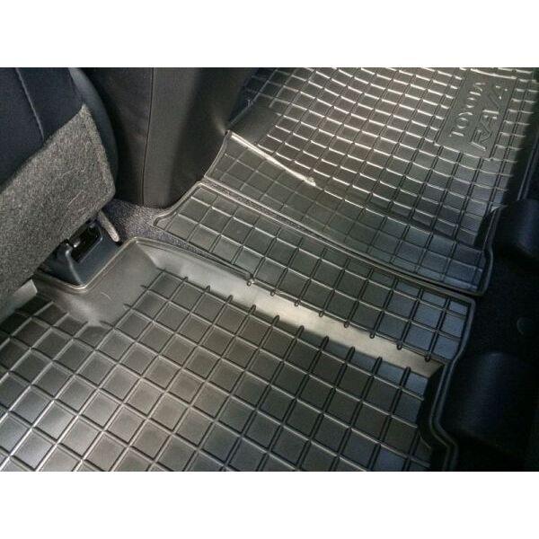 Автомобильные коврики в салон Toyota RAV4 2013-2016 (Avto-Gumm)