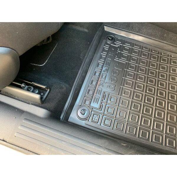 Автомобильные коврики в салон Jeep Cherokee 2014- (AVTO-Gumm)