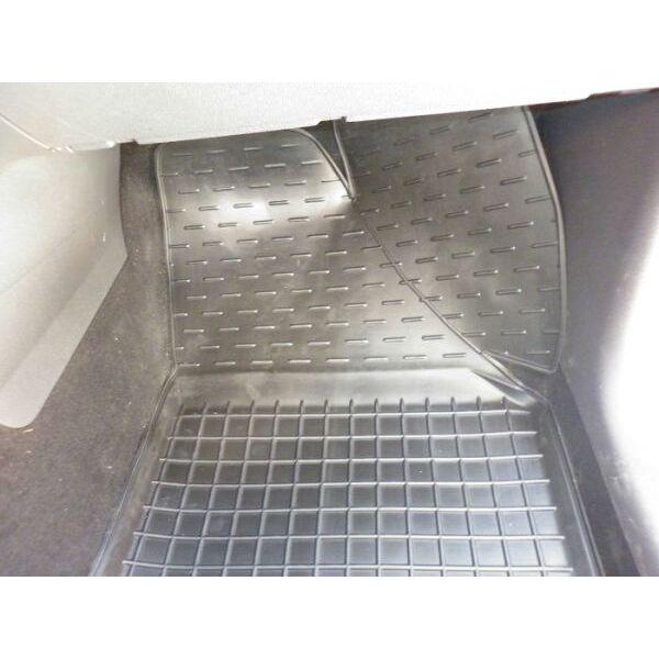 Автомобильные коврики в салон Volkswagen Caddy 2004- (3 двери) (Avto-Gumm)